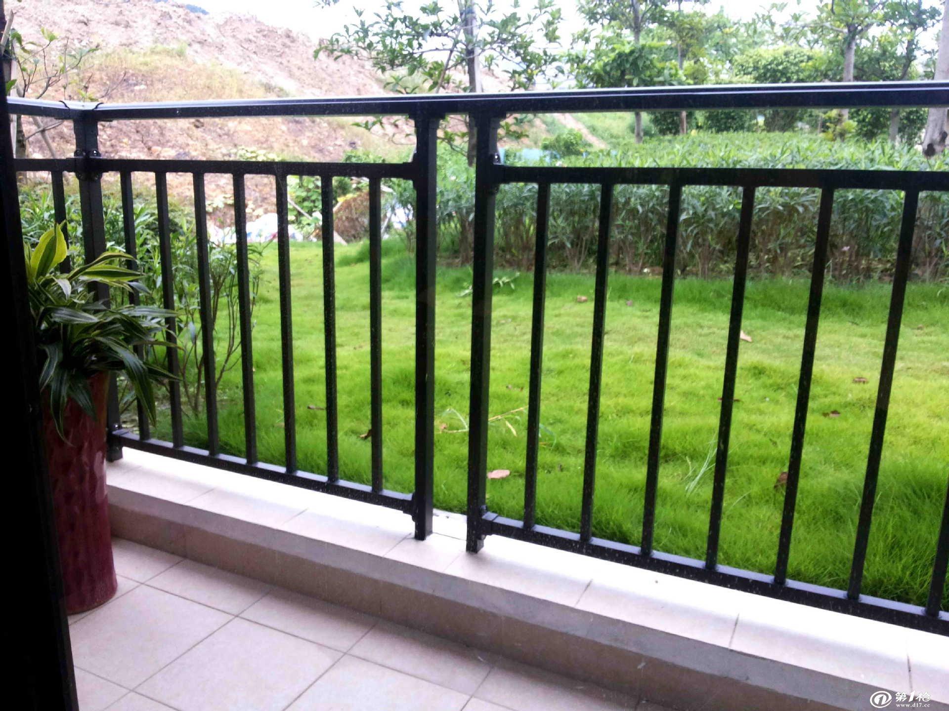 护栏,楼梯扶手,阳台栏杆,道路护栏,外墙围栏,装饰百叶,防护窗,配件,铁