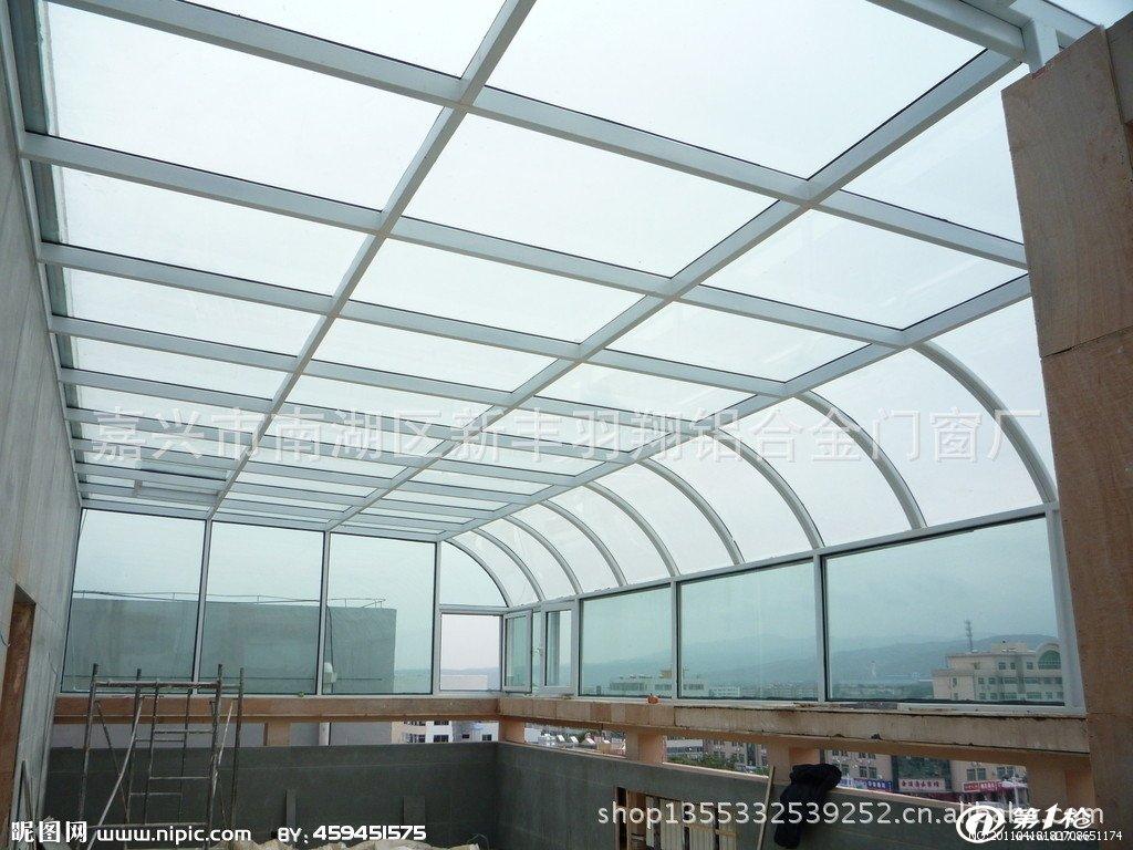 建材与装饰材料 预制建筑物 阳光房/阳台 阳光房露台设计平顶方钢结构