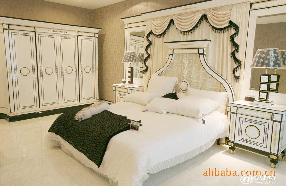 供应专业品牌欧式家具,卧室家具,奢华家具--四门衣柜m50