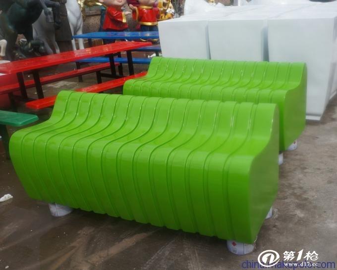青岛机场接机口椅子
